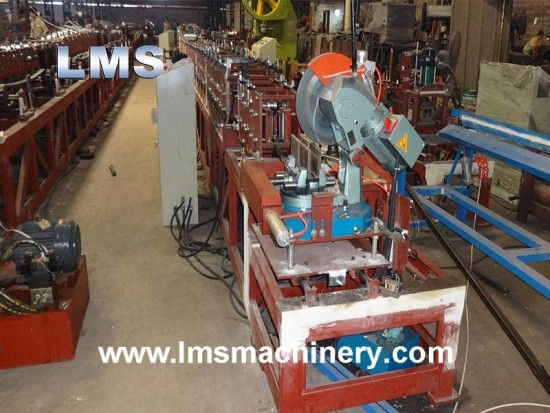Closed Crose Beam Roll Forming Machine